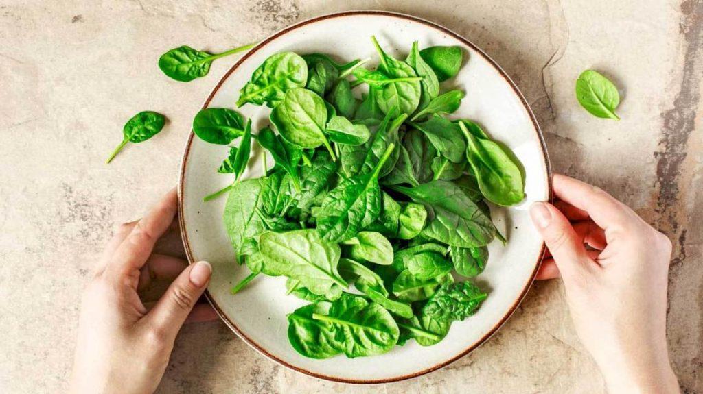 Fitnesstrendz- Spinach, iron, healthy food, green vegetables, leafy vegetables